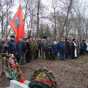 Митинг в День памяти неизвестного солдата прошёл в Новопавловске (фото 3)