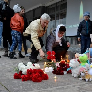 Акция в память о погибших при пожаре в городе Кемерово прошла в Новопавловске