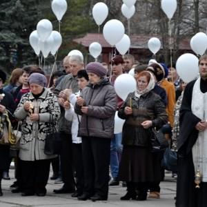 Акция в память о погибших при пожаре в городе Кемерово прошла в Новопавловске (фото 1)