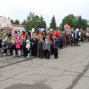 Новопавловск торжественно отметил День Победы (фото 1)