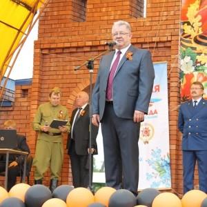 Новопавловск торжественно отметил День Победы (фото 6)