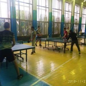 В Новопавловске состоялись финальные соревнования по настольному теннису и шахматам среди школьников (фото 1)