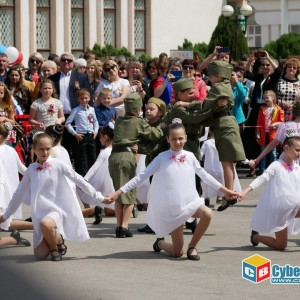 В Новопавловске отметили 74-ую годовщину Великой Победы (фото 12)