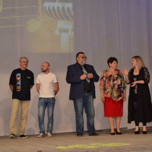 Майские праздники завершились большим ретроконцертом в Новопавловске