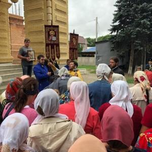 В Новопавловске прошёл крестный ход в честь его небесных покровителей