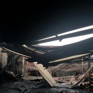 В ночном пожаре в Новопавловске сгорела станция автосервиса