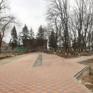 Работа по благоустройству культурно-исторического центра города Новопавловска выполнена на четверть (фото 7)