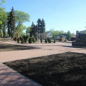 К осени обновлённый парк в Новопавловске станет точкой притяжения горожан (фото 7)