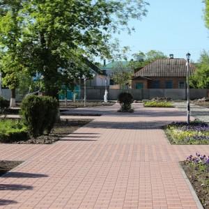 К осени обновлённый парк в Новопавловске станет точкой притяжения горожан (фото 9)