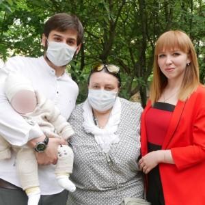 Малыш, проживший три месяца в районной больнице Новопавловска без мамы, уехал домой