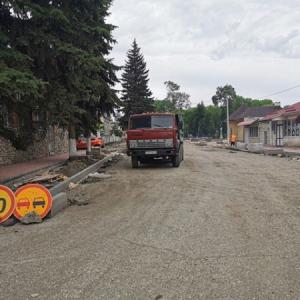 Более половины работ выполнено по реконструкции культурно-исторического центра Новопавловска (фото 3)