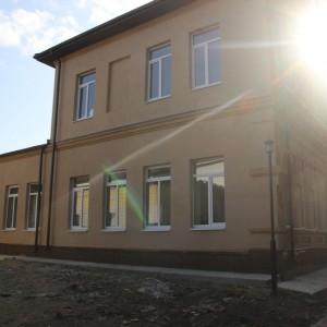 Работы по ремонту Новопавловской средней школы №2 завершены (фото 3)