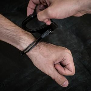 На молодого водителя завели уголовное дело за избиение сотрудника ДПС в Новопавловске