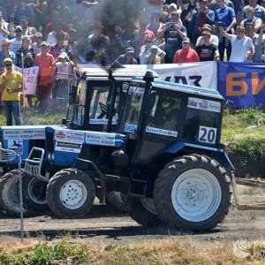 Победитель тракторного многоборья (фото 1)